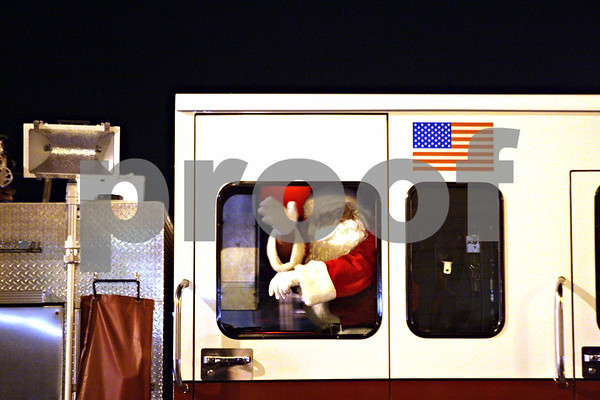 Santa Arrives in Sycamore