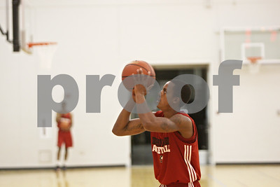 Rob Winner – rwinner@shawmedia.com  Northern Illinois freshman Daveon Balls practices his shot during a practice Tuesday in DeKalb.