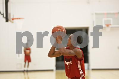 Rob Winner – rwinner@shawmedia.com  Northern Illinois freshman Daveon Balls practices his shot during a practice Tuesday in DeKalb.