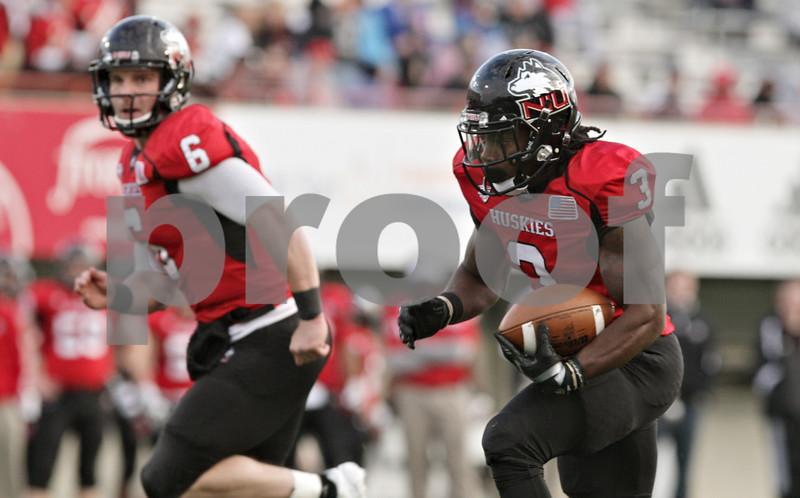 Rob Winner – rwinner@shawmedia.com<br /> <br /> Northern Illinois running back Akeem Daniels (3) carries the ball for a 17-yard touchdown run during the third quarter in DeKalb, Ill., Saturday, Nov. 3, 2012. NIU defeated Massachusetts, 63-0.