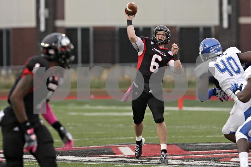 Rob Winner – rwinner@shawmedia.com<br /> <br /> Northern Illinois quarterback Jordan Lynch (6) throws a 43-yard touchdown pass to Martel Moore (left) during the third quarter in DeKalb, Ill., Saturday, Oct. 13, 2012. NIU defeated Buffalo, 45-3.
