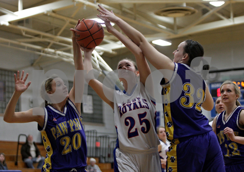 Rob Winner – rwinner@shawmedia.com<br /> <br /> Hinckley-Big Rock's Abbie Tosch (25) puts up a shot good for two between Paw Paw's Josie Morgan (left) and Kersten Kidd in the first quarter during the Class 1A Hinckley-Big Rock Regional semifinal in Hinckley, Ill., Tuesday Feb.5, 2013