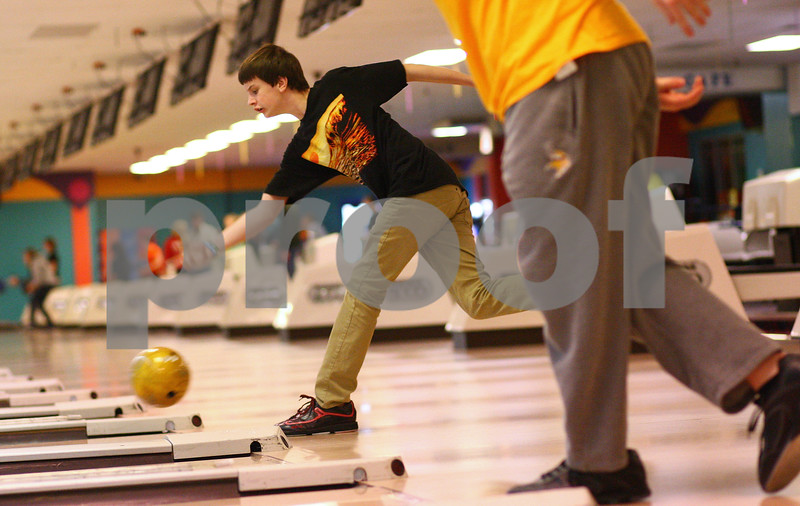 Kyle Bursaw – kbursaw@shawmedia.com<br /> <br /> Will Todtz rolls at Mardi Gras Lanes during practice for the DeKalb bowling team on Monday, Jan. 14, 2013.