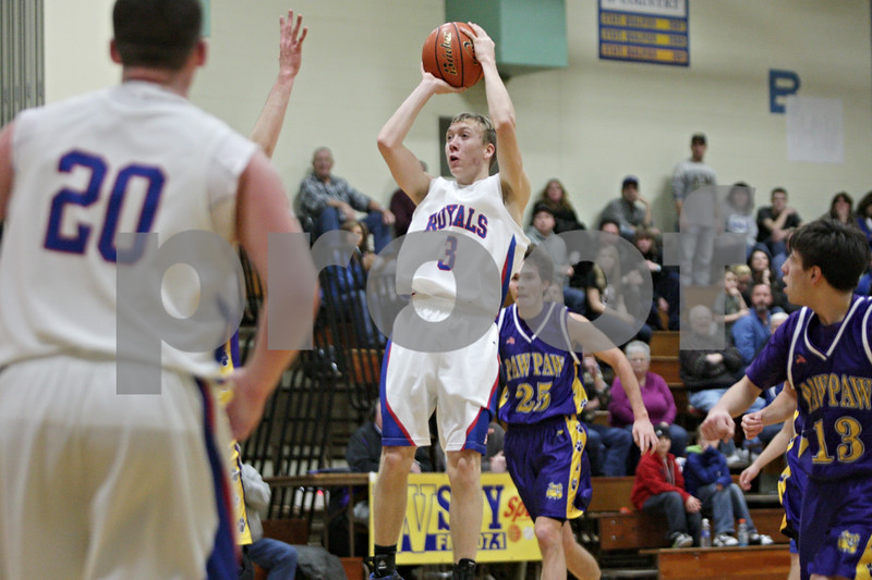Rob Winner – rwinner@shawmedia.com<br /> <br /> Hinckley-Big Rock's Jared Madden (3) puts up a shot in the second quarter during the Little Ten Conference tournament against Paw Paw in Somonauk, Ill., Thursday, Jan. 31, 2013. H-BR defeated Paw Paw, 58-47.