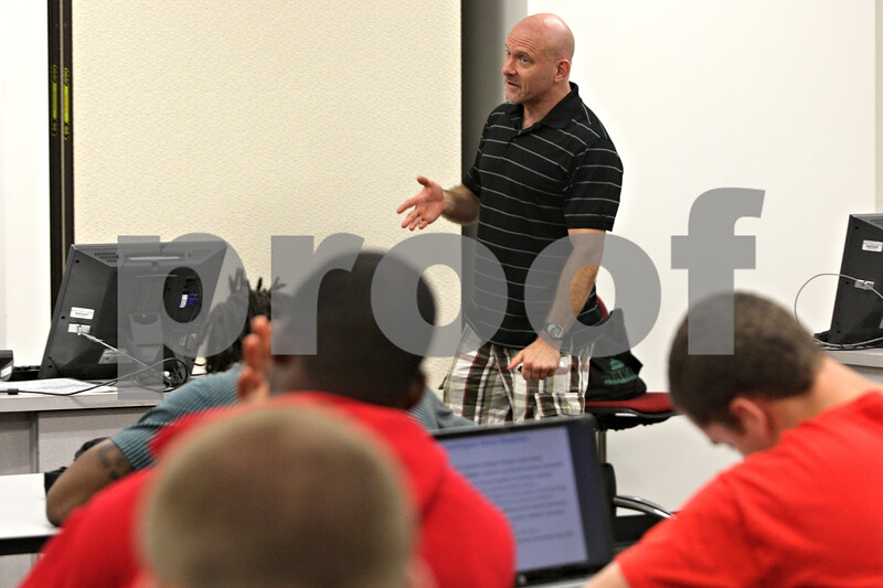 Rob Winner – rwinner@shawmedia.com<br /> <br /> Dr. Rod Caughron discusses stress management during a Scientific Basis of Human Activity class for incoming student athletes at the Yordon Center on the Northern Illinois University campus on Wednesday, July 10, 2013.
