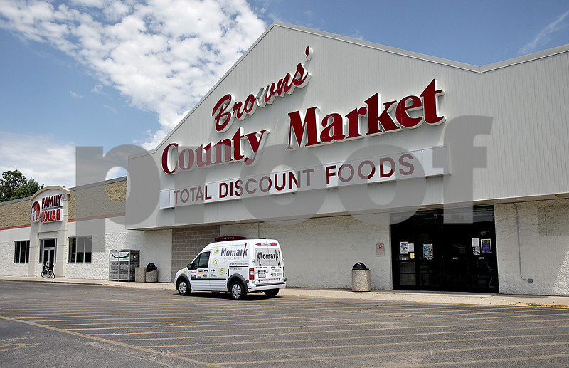 Monica Maschak - mmaschak@shawmedia.com<br /> Browns' County Market in Sycamore.