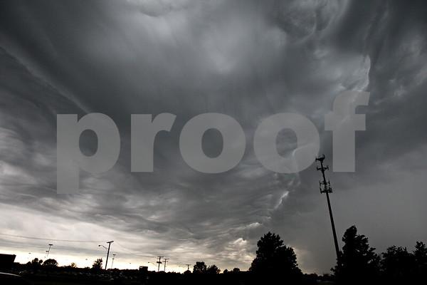 Monica Maschak - mmaschak@shawmedia.com<br /> Inclement weather moves slowly over DeKalb Tuesday afternoon.
