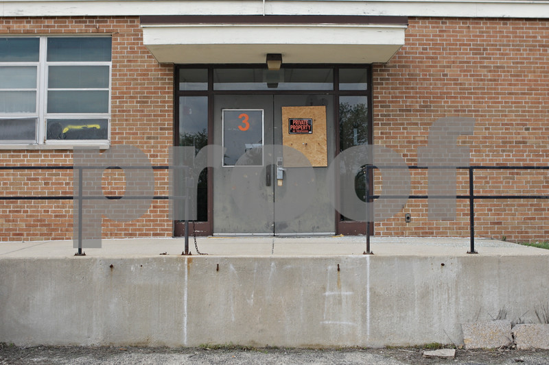 Rob Winner – rwinner@shawmedia.com<br /> <br /> The old Cortland School remains vacant as seen on Wednesday, May 8, 2013.Rob Winner – rwinner@shawmedia.com<br /> <br /> The old Cortland School building remains vacant as seen on Wednesday, May 8, 2013.