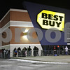 Rob Winner – rwinner@shawmedia.com<br /> <br /> Customers are seen lined up outside of the Best Buy in DeKalb on Thanksgiving night. Best Buy opened at 6 p.m.