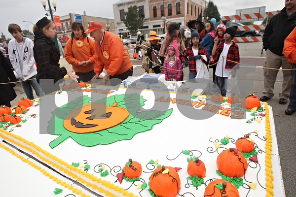 Rob Winner – rwinner@shawmedia.com<br /> <br /> The Sycamore Pumpkin Festival cake as seen on Wednesday, Oct. 23, 2013.