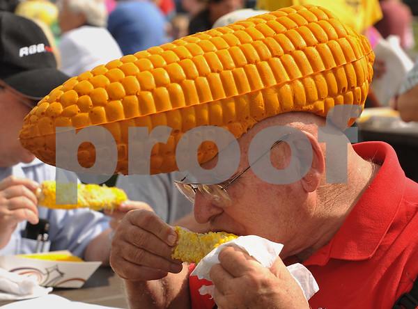 dcnews_sun_0901_cornfest1