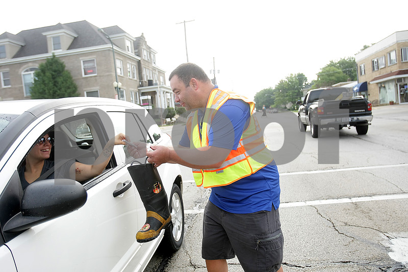 dnews_0823_FillTheBoot1