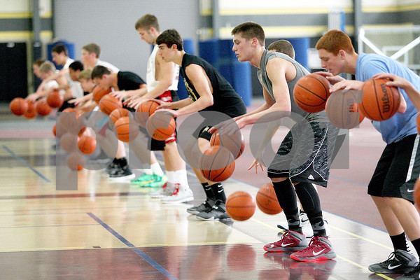dspts_0704_sycamore_bball1.jpg
