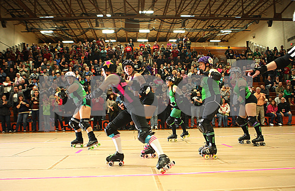 dnews_1110_BarbedWireBetties6