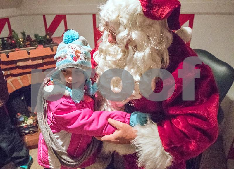 dnews_1204_Santa4