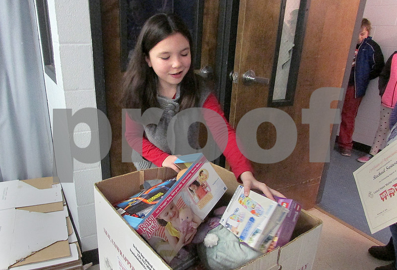 dnews_1128_toys.for.tots1