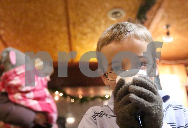 dnews_1221_HolidayLightsTrain3