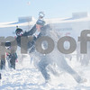 dnews_0203_NIUSnowballFight8