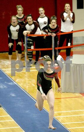 hspts_adv_state_gymnastics_vault2.jpg