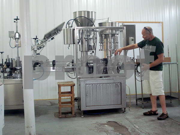 Mamoser Teaches Bottling.JPG