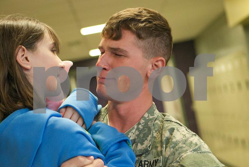 dnews_0313_SoldierSurprise2