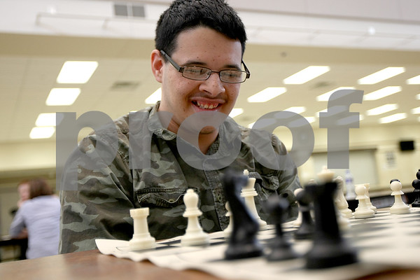 dnews_0327_chess_club1.jpg