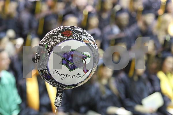 dnews_0518_kish_graduation7.jpg