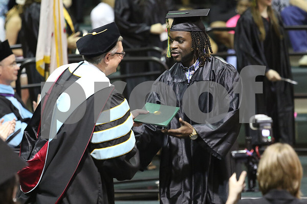 dnews_0518_kish_graduation3.jpg