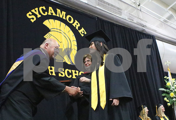 dnews_0525_SycamoreGraduation1