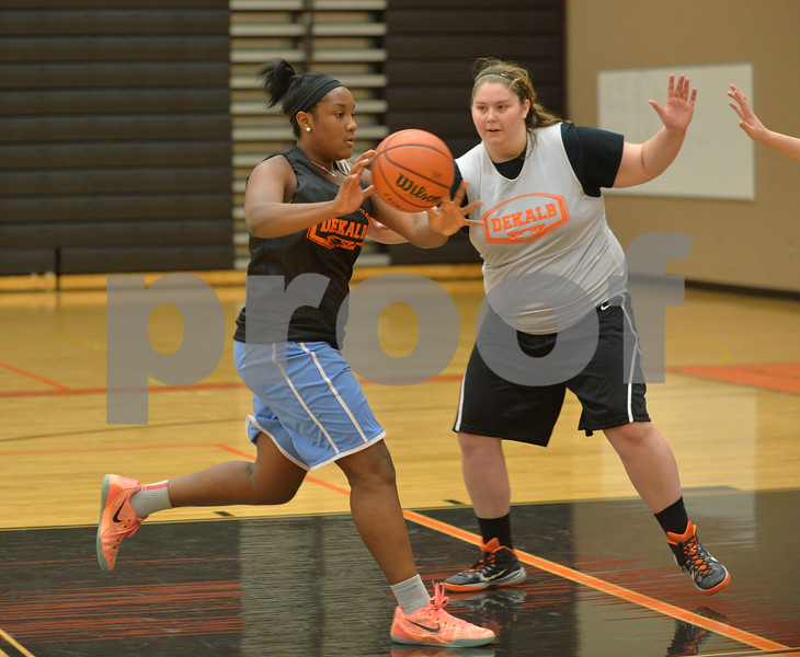 dspts_1117_dekgirls_hoops1.jpg