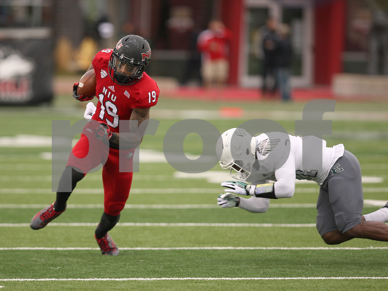 dspts1025_niu_eam_football12.JPG
