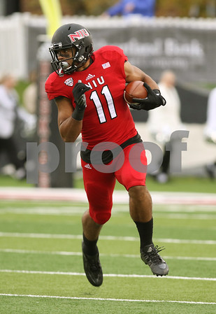 dspts1025_niu_eam_football9.JPG