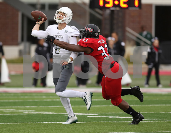 dspts1025_niu_eam_football3.JPG