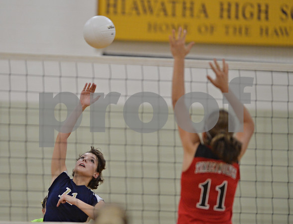 dspts_0911_hiawatha_ic_volley4.jpg