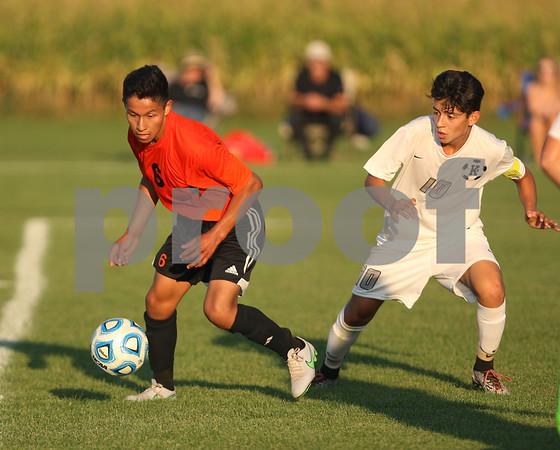dspts_0917_dekkane_soccer4.jpg