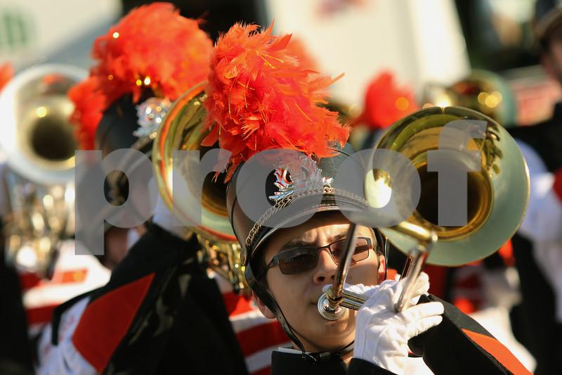 dnews_0925_dhs_parade1.jpg