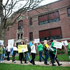 knews_thu_413_GEN_InformationalPicket3