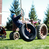 knews_thu_413_ALL_tractor4