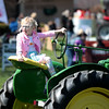 knews_thu_413_ALL_tractor2