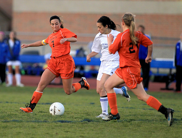 St. Charles Allie Arvizu (7) goes after the ball during their 1-1 tie game at St. Charles North Tuesday evening.