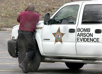 hnews_wed409_bomb_squad2