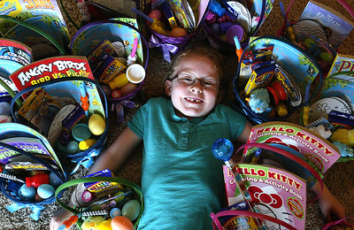 hnews_fri418_gift_baskets