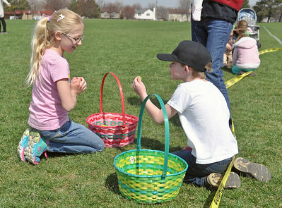 Woodridge Easter egg scramble