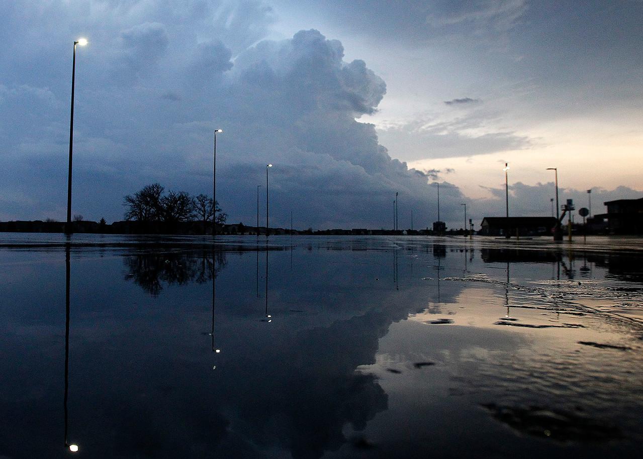hnews_fri0410_Severe_Weather_