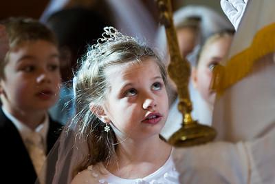 hnews_adv_first_communion2.jpg