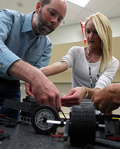 hnews_sat0418_Teacher_Robotics_02