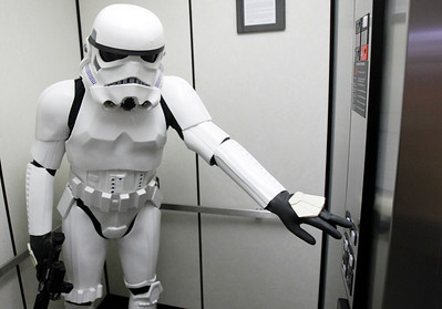 hnews_mon0504_Storm_Trooper_01