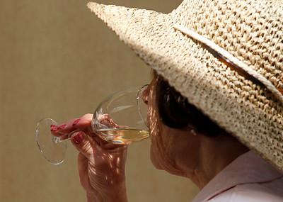 2A_adv_Wine_Glass
