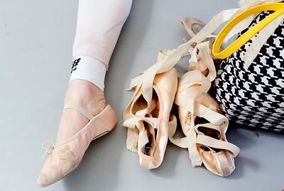 hnews_thur0407_ballerina9.jpg