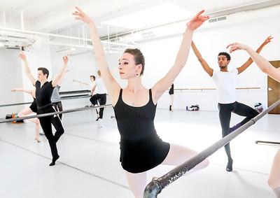 hnews_thur0407_ballerina12.jpg